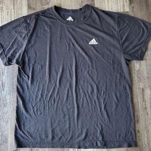 Adidas tshirt XL